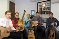 Учиться игре на гитаре нужно для души